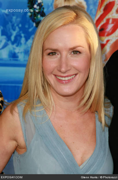 Photo of the cool beautiful  Angela Kinsey from Lafayette, Louisiana, United States without makeup