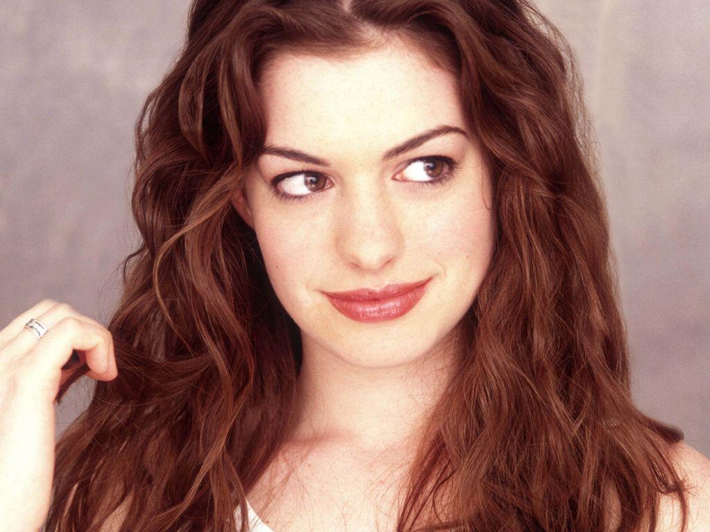 Caitlin Blackwood (born 2000) picture
