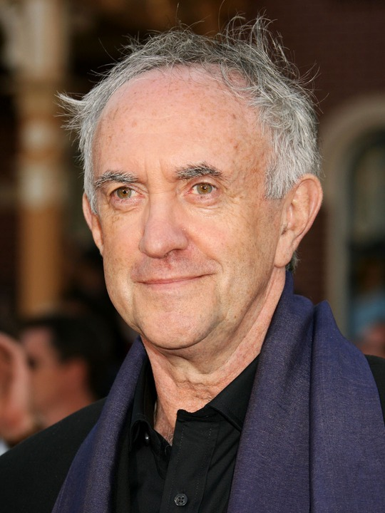 Tips: Jonathan Pryce, 2017s alternative hair style of the cool charming  actor