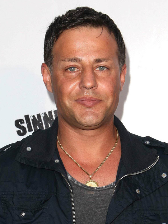 louis mandylor married