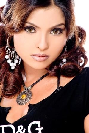 photo#04, <b>Yasmin Khan</b> - yasmin-khan-06